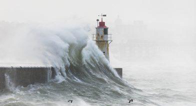 Wave Break 1000px